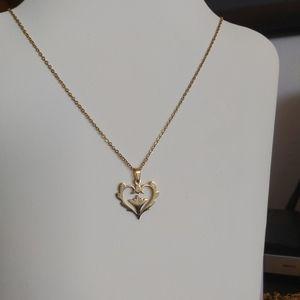 2/30$:Flower Heart Necklace Jewelry
